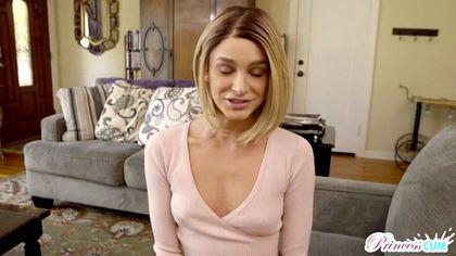 Актриса сняла розовую кофту и соснула член продюсеру перед камерой №2