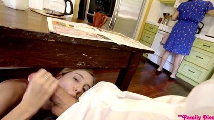 Мужик около спящей жены пихает в ее сестру огромный сочный елдак №5