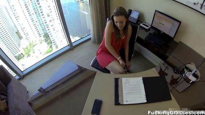 Красотка на собеседовании на должность секретарши поработала с хуем будущего директора №5