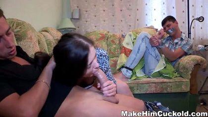 Студент связал друга и у него на глазах дерет в пиздень и ротик его девушку №4