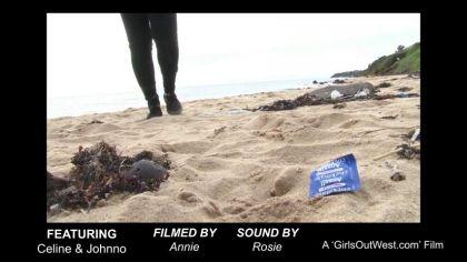 Похотливая пара трахается в разных позах на пустынном пляже №10