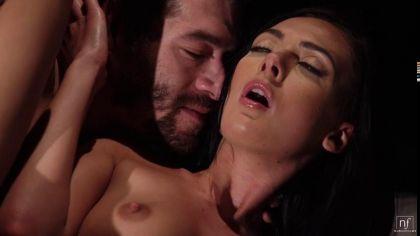Красивый ночной секс парочки с оральными ласками и нежными стонами удовольствия №3